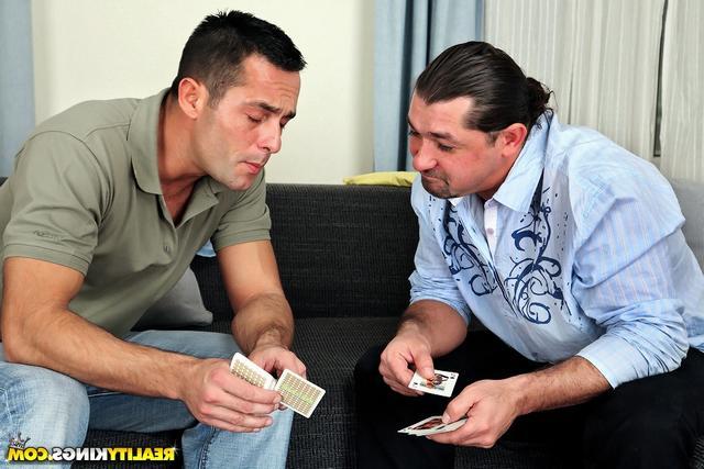 Смотреть Карточный долг онлайн