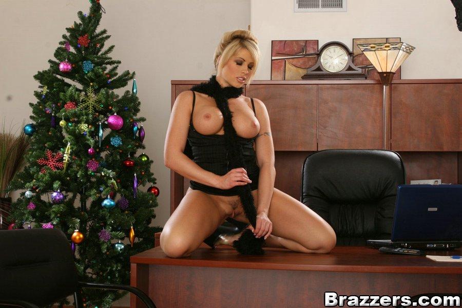 Смотреть Brooke онлайн