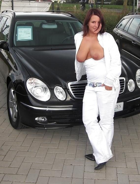 Смотреть Голые машине онлайн