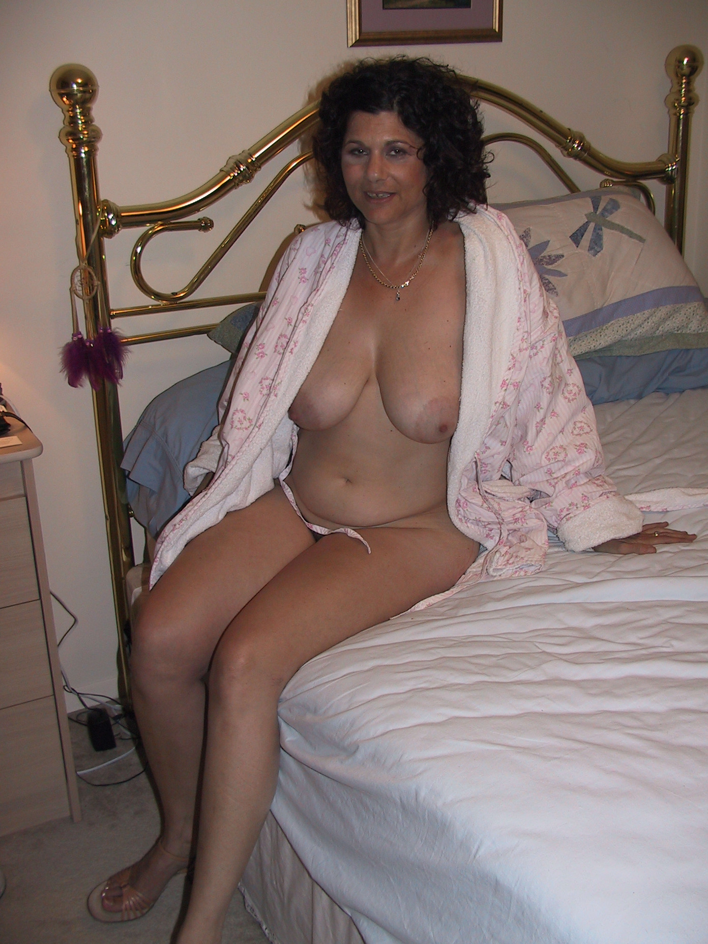 Смотреть халат пососала онлайн